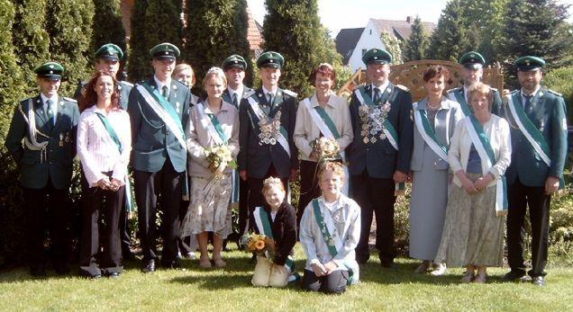 Altkönigspaar Volker Rehling & Ulrike Rehling und Jungkönigspaar Mario Kassen & Janine Kanies